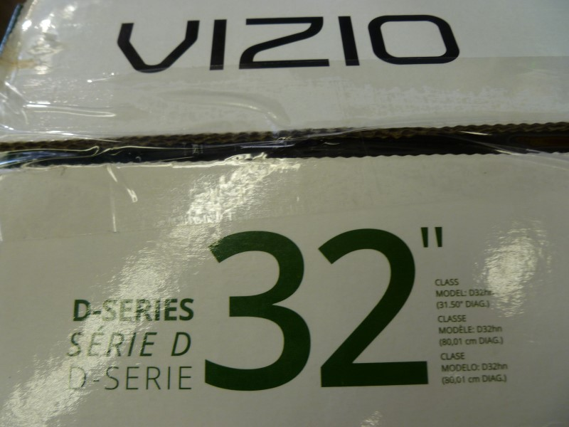 "VIZIO D32HN-DO 32"" 720P 60HZ LED HDTV  **LIKE NEW IN ORIGINAL BOX NO REMOTE**"