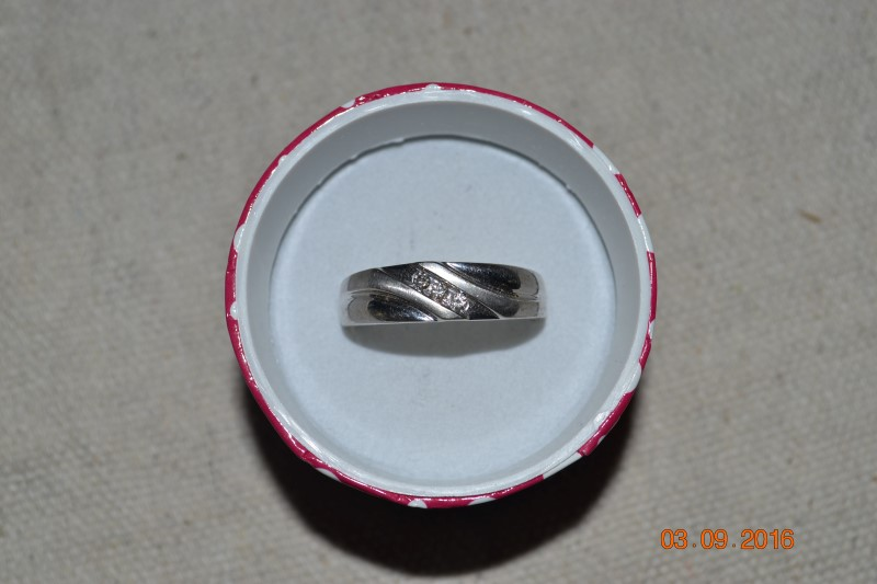 Gent's Gold-Diamond Wedding Band 3 Diamonds .06 Carat T.W. 10K White Gold 3.7g
