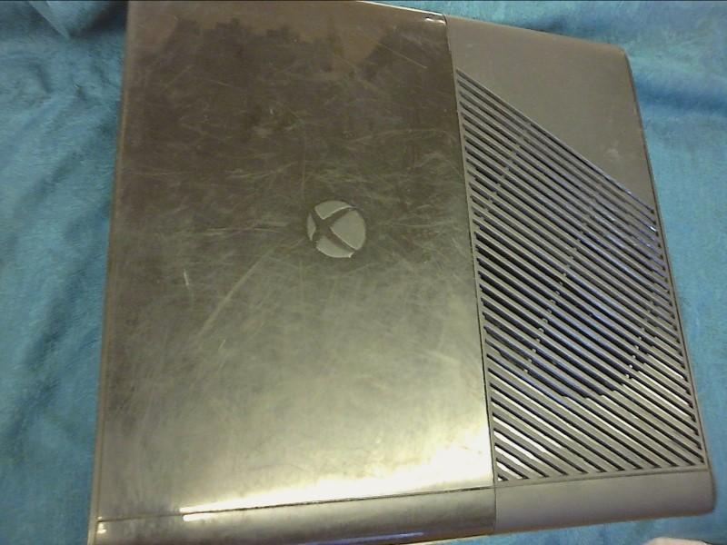MICROSOFT XBOX 360 E - 500GB - CONSOLE
