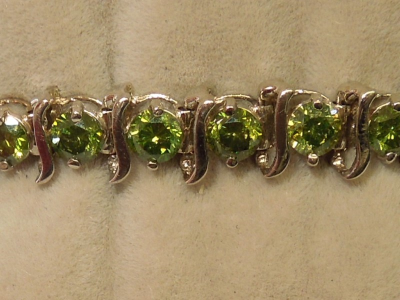 "7"" GREEN DIAMOND TENNIS BRACELET - 10K W/G"