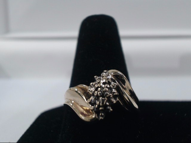 Lady's Diamond Cluster Ring 20 Diamonds .20 Carat T.W. 10K Yellow Gold 2.6g