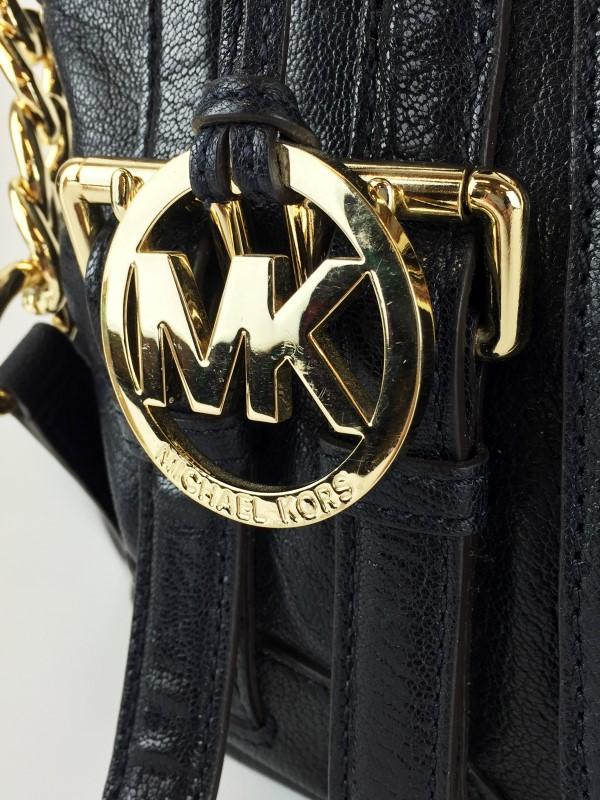 MICHAEL KORS SIGNATURE BUCKLE LEATHER SHOULDER BAG