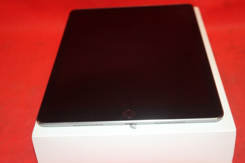 Apple iPad Pro 32GB, Wi-Fi + 4G (Verizon), 9.7in - Space Grey