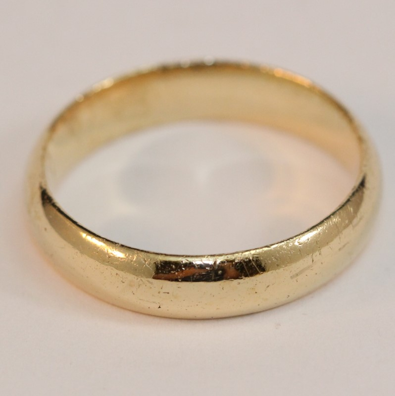 14K Yellow Gold Men's Wedding Band Size 12.5