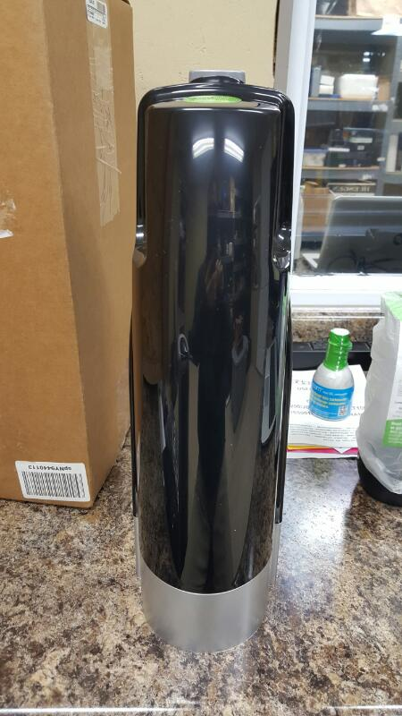 SodaStream C100 / Cool Jet Black Home Soda Maker Kit