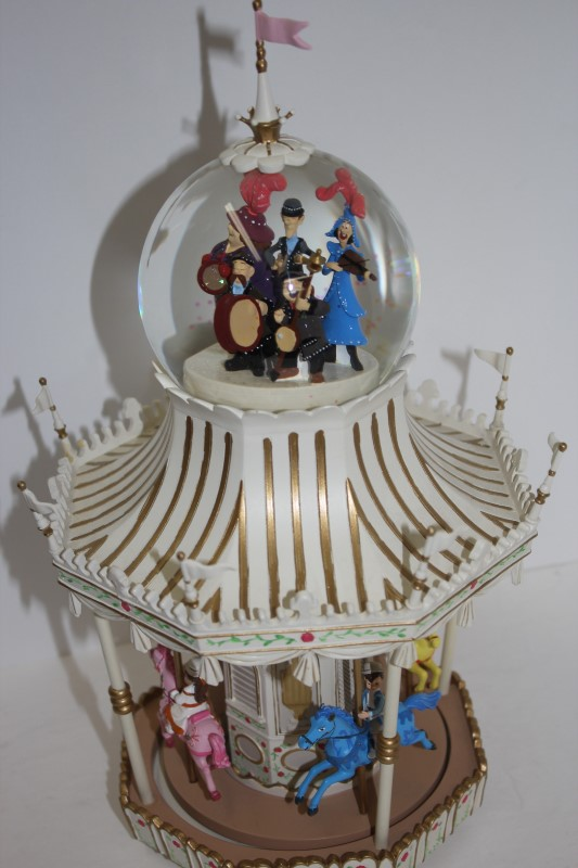 DISNEY Music Box MARY POPPINS SNOW GLOBE