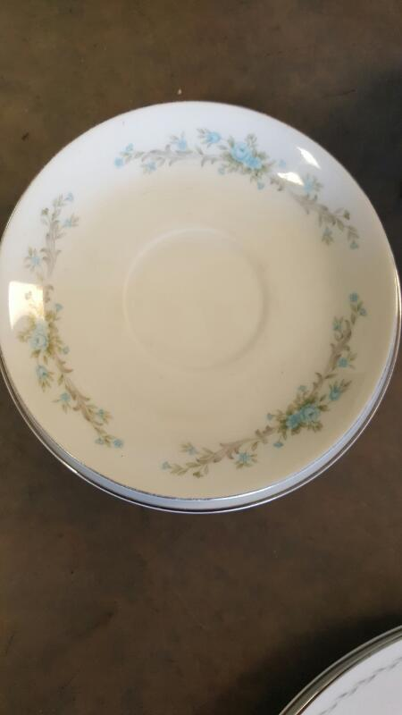 STYLE HOUSE Collectible Plate/Figurine FINE CHINA