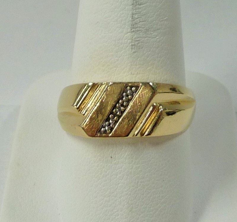 Gent's Gold Ring 10K Yellow Gold 2.02dwt