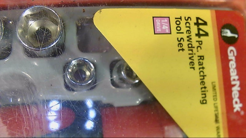 Greatneck Screwdriver and Socket Set