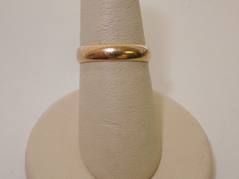 Lady's Gold Ring 14K Yellow Gold 2.4g Size:5