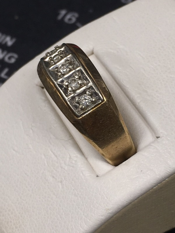 Gent's Gold Ring 10K Yellow Gold 4.7dwt Size:10