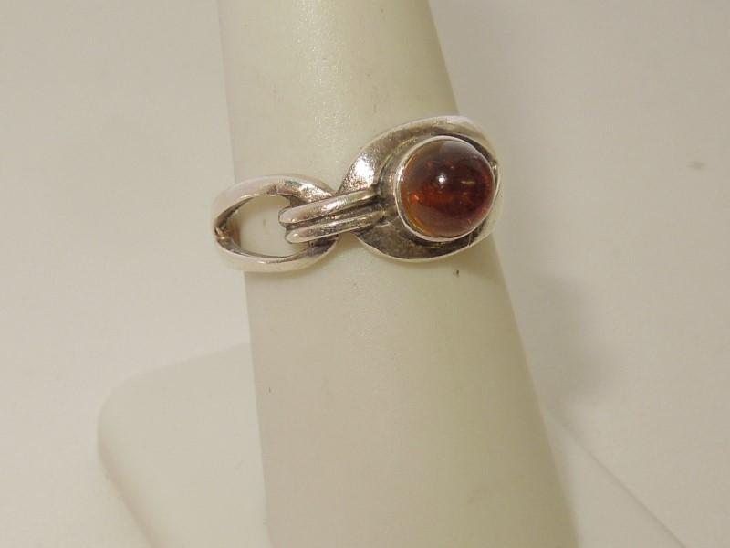 Synthetic Almandite Garnet Lady's Silver & Stone Ring 925 Silver 3.7g