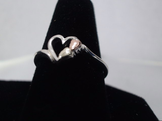 Lady's Silver Ring 925 Silver 1.3g
