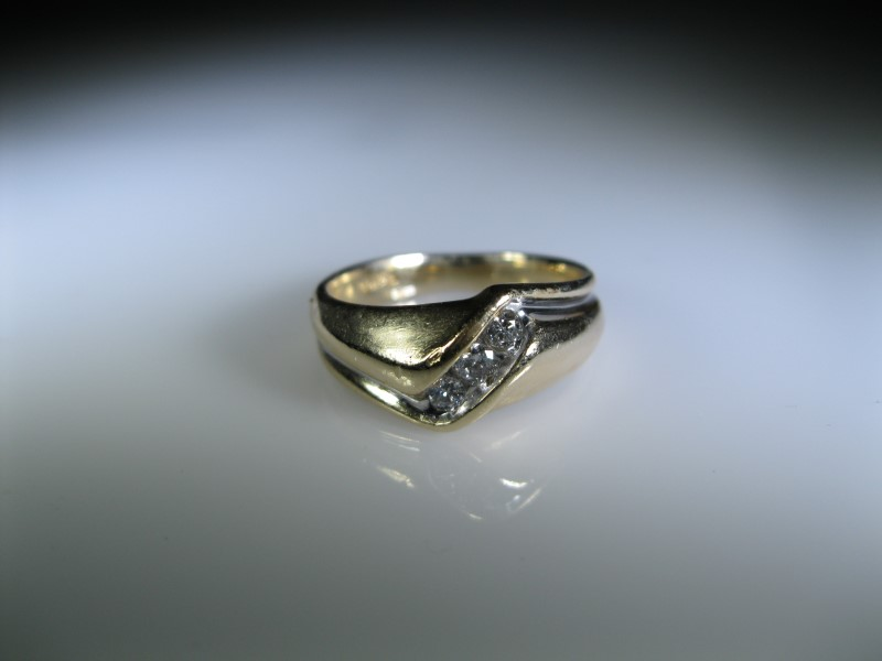Gent's Diamond Cluster Ring 3 Diamonds .17 Carat T.W. 14K Yellow Gold 6.38g