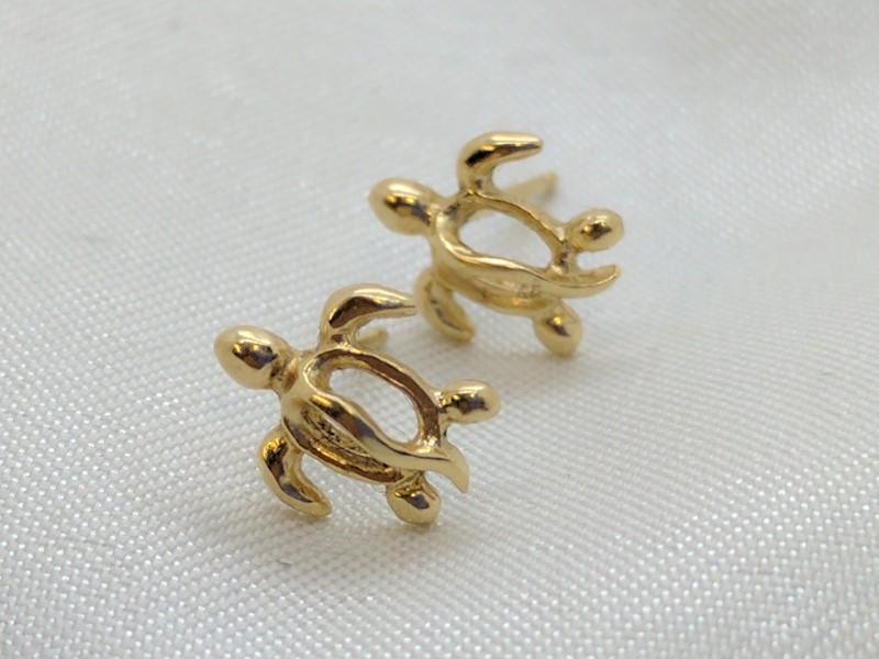 Honu Turtle Stud Earrings Yellow Gold Na Hoku