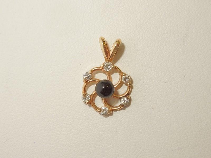 Black Stone Gold-Diamond & Stone Pendant 6 Diamonds .18 Carat T.W.