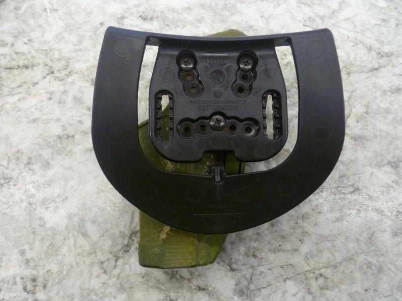 BLACKHAWK 2100270 CQC CONCEALMENT HOLSTER (OLIVE CAMO AND BLACK)