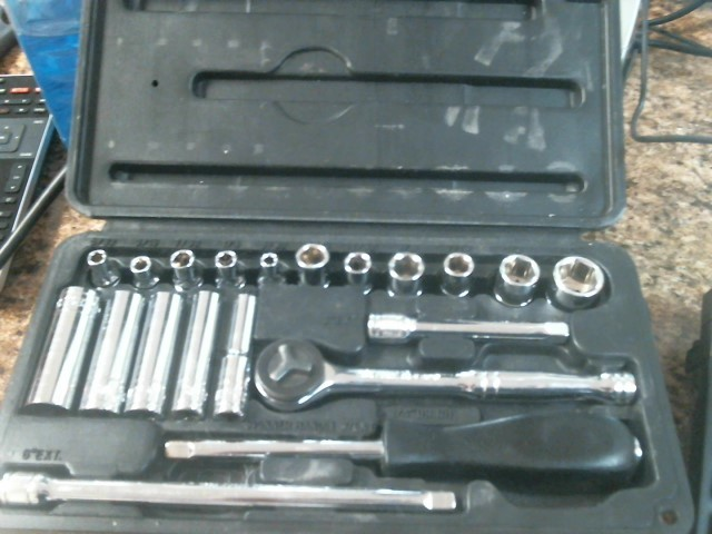 TASK FORCE Sockets/Ratchet SOCKET SET