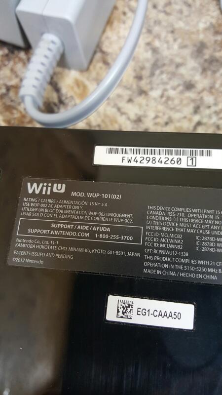 Nintendo Wii U Console Bundle - Mario Kart 8 Deluxe Set