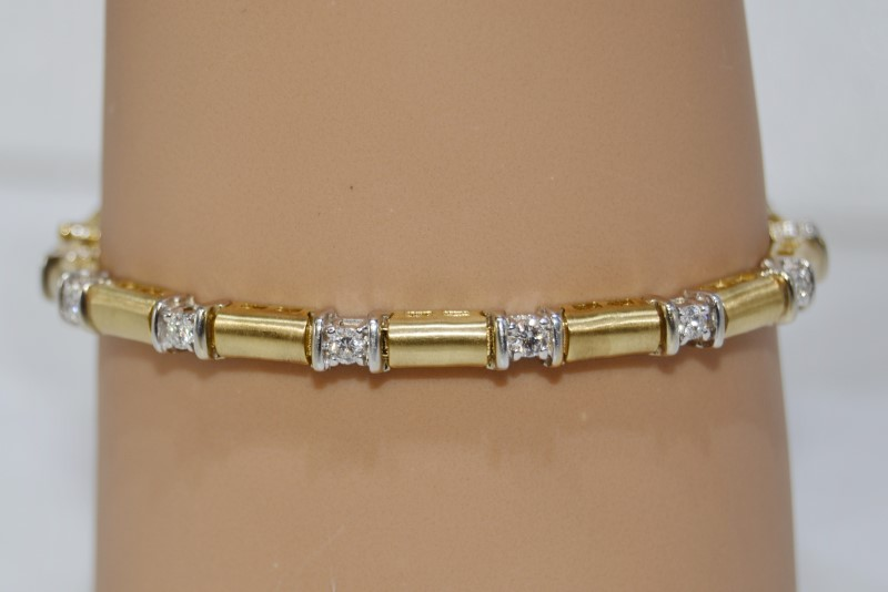 14K Yellow Gold Round Brilliant Cut Diamond Bracelet