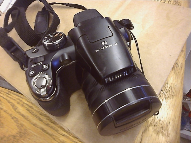 FUJIFILM Digital Camera FINEPIX S4200