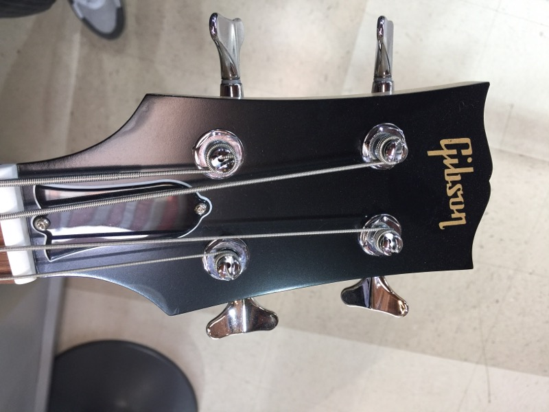 GIBSON VICTORY BASS ARTIST WITH ORIGINAL HARD CASE