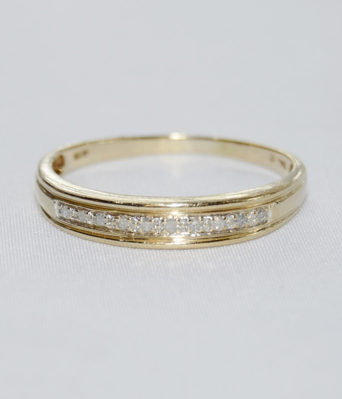 10k Yellow Gold Thin Diamond Wedding Band Ring s. 14.5