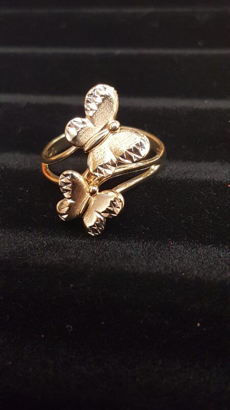 Lady's Gold Ring 10K Yellow Gold 2.4dwt