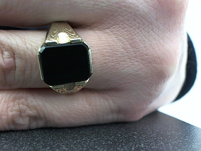 Black Stone Gent's Stone Ring 14K Yellow Gold 6.5g