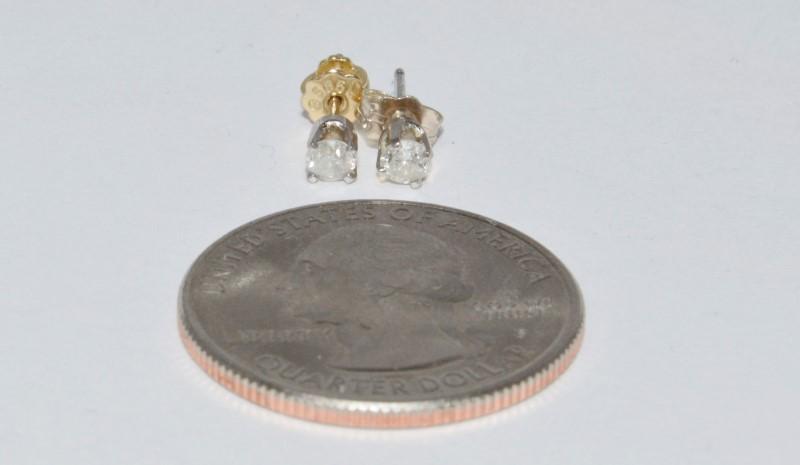 10K White Gold .30ctw Round Brilliant Diamond Stud Earrings
