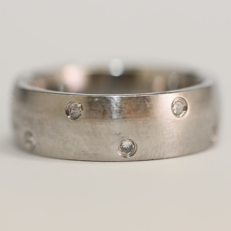 Stainless Silver and Alternating Stone Comfort Fit Ring Size 11