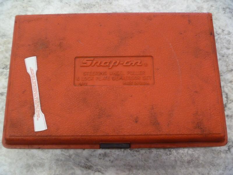 SNAP ON CJ131P STEERING WHEEL PULLER & LOCK PLATE DEPRESSOR SET IN RED CASE