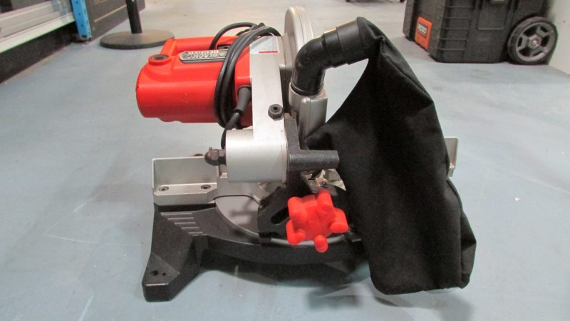 BLACK&DECKER Miter Saw BT1500