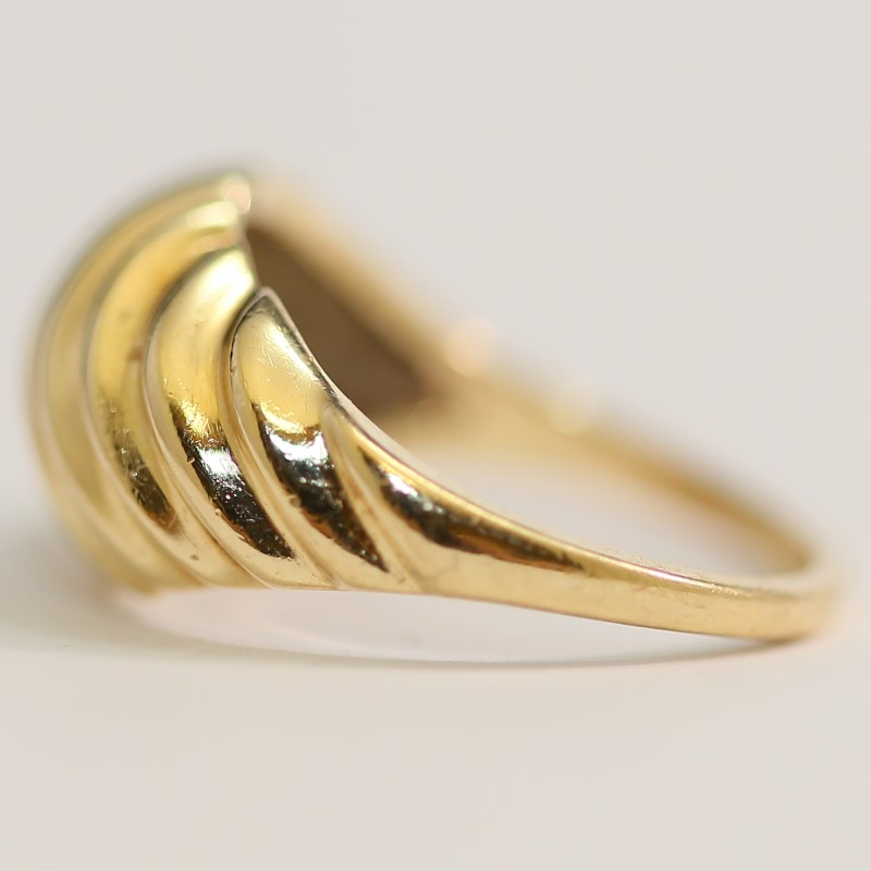 10K Yellow Gold Spiral Design Ring Size 6.25