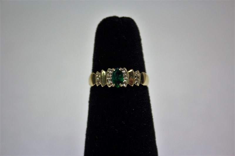 Lady's Emerald & Diamond Ring 6 Diamonds .030 CTW 10K Yellow Gold Size: 6