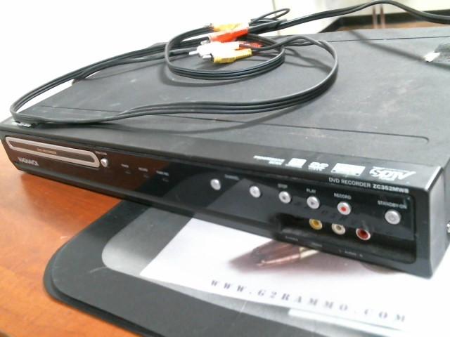 MAGNAVOX DVD RECORDER ZC352MW8