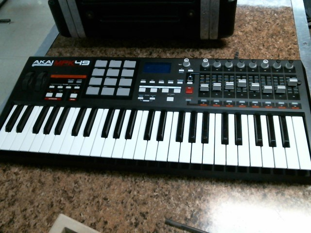 AKAI Keyboards/MIDI Equipment MPK49