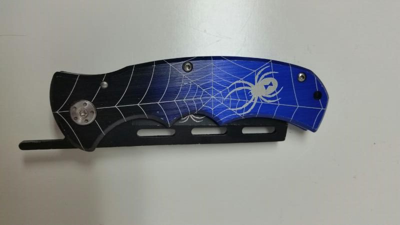 UC TOMAHAWK XL1042 BLUE SPIDER WEB RAZOR POCKET KNIFE