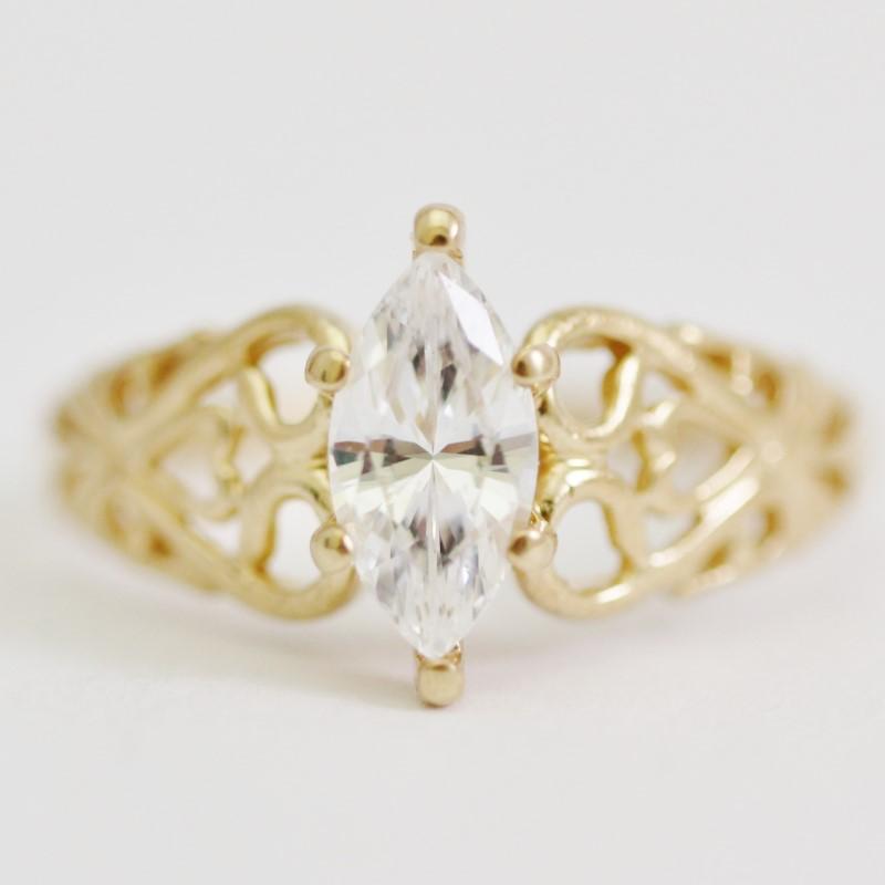 Vintage Inspired 10K Yellow Gold White Stone Ring Size 9