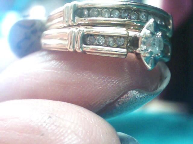 Lady's Diamond Wedding Set 19 Diamonds .23 Carat T.W. 10K Yellow Gold 2.8dwt