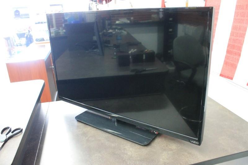 """VIZIO 39"""" SMART TV E390I-A1"""