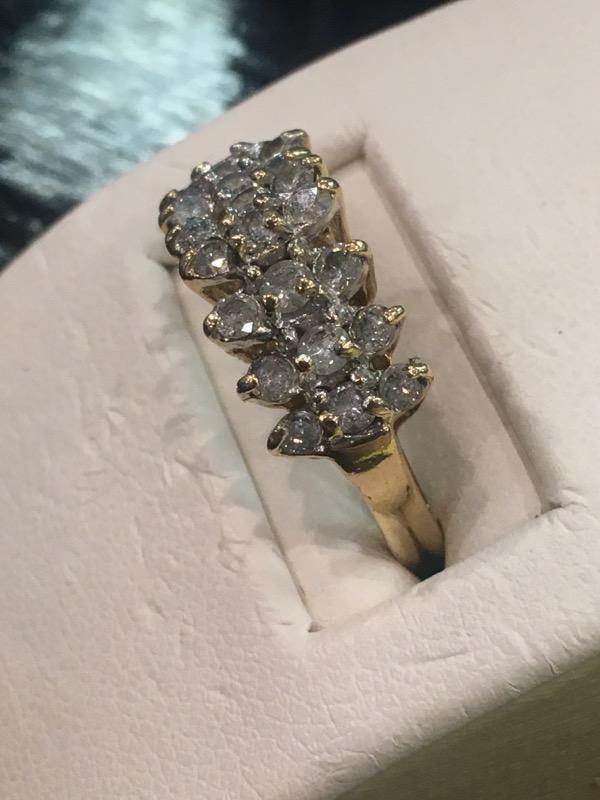 Lady's Diamond Cluster Ring 21 Diamonds .21 Carat T.W. 10K Yellow Gold 2.2dwt