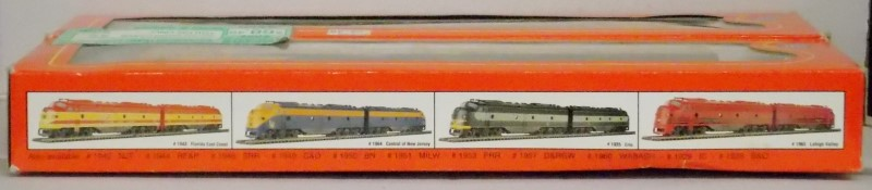 IHC UNION PACIFIC E-8 A POWERED AND DUMMY TRAIN, #1932