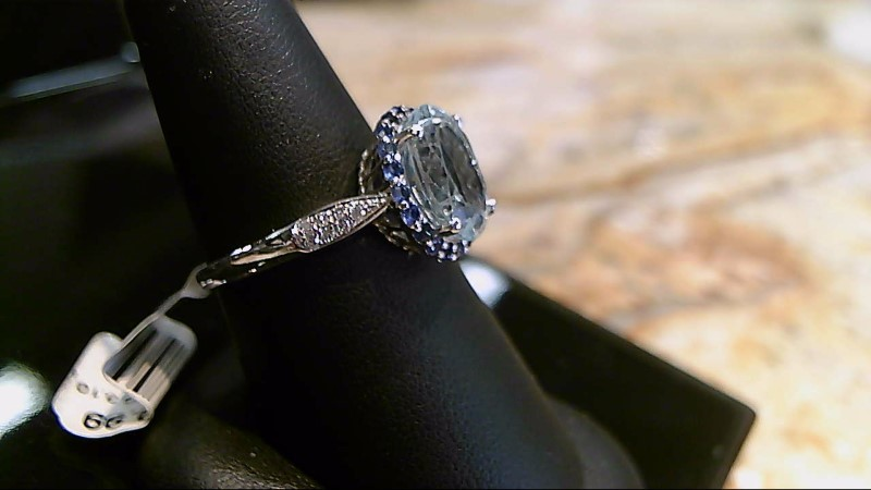Aquamarine Lady's Stone & Diamond Ring 12 Diamonds .12 Carat T.W.