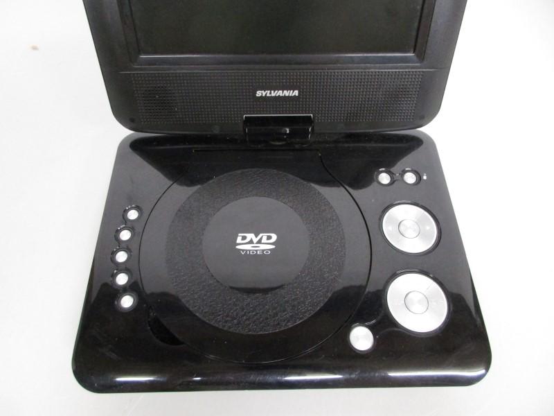 "SYLVANIA SDVD7073-DG 7"" SWIVEL PORTABLE DVD PLAYER"