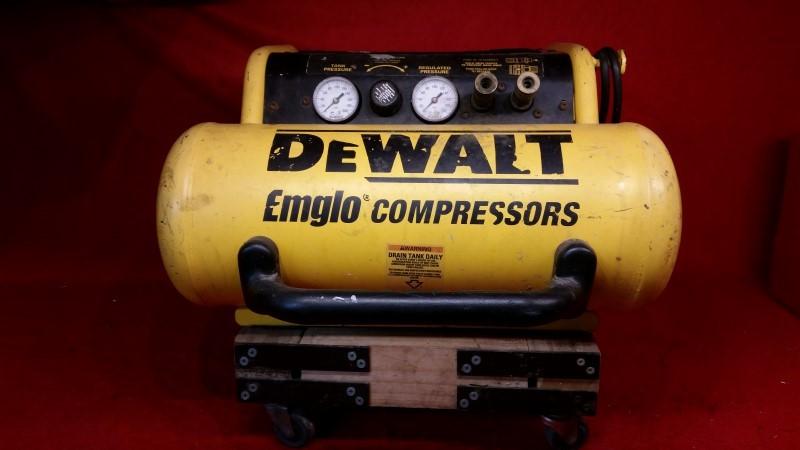 DEWALT D55155 15 Amp 2-3/4-Horsepower 4-Gallon Oiled Single Hot Dog Compressor