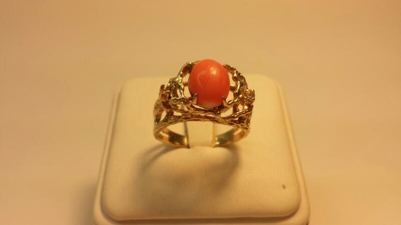 14k Yellow Gold Ring with 1 Pink Stone and 1 White Stone - 3.6dwt - Size 9