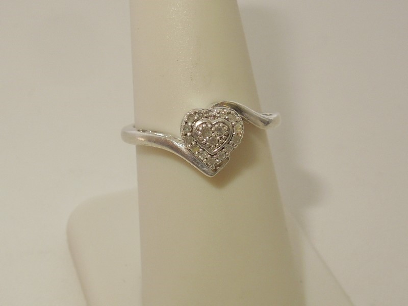 Lady's Silver-Diamond Ring 16 Diamonds .080 Carat T.W. 925 Silver 2.8g Size:7.5