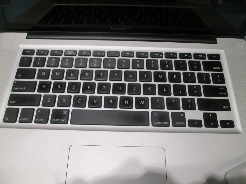 "Apple MacBook Pro (A1268) ""Core 2 Duo"" Unibody"