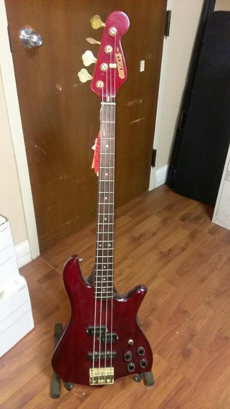 STARFORCE BASS GUITAR 4 STRING MODEL 7005